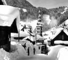 Village La Clusaz en hiver 1950